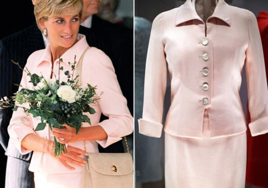 Diana a Daily Star Gold Awards for Courage and Bravery jótékonysági rendezvényen viselte ezt a rózsaszín kosztümöt, ahol 80 kisgyereket tüntetett ki 1997-ben.