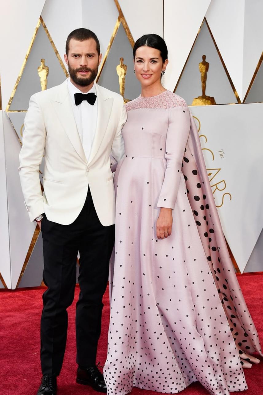 A szürke ötven árnyalatának főszereplője, Jamie Dornan is magával hozta a díjkiosztóra feleségét, Amelia Warnert.
