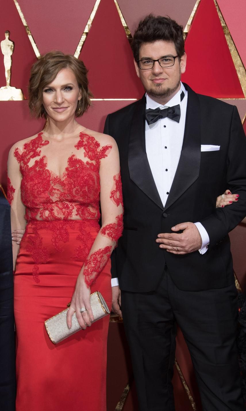 A Mindenki az első magyar kisfilm, amely elnyerte az Oscar-díjat - a rendező, Deák Kristóf és a felnőtt főszereplő, Szamosi Zsófia.