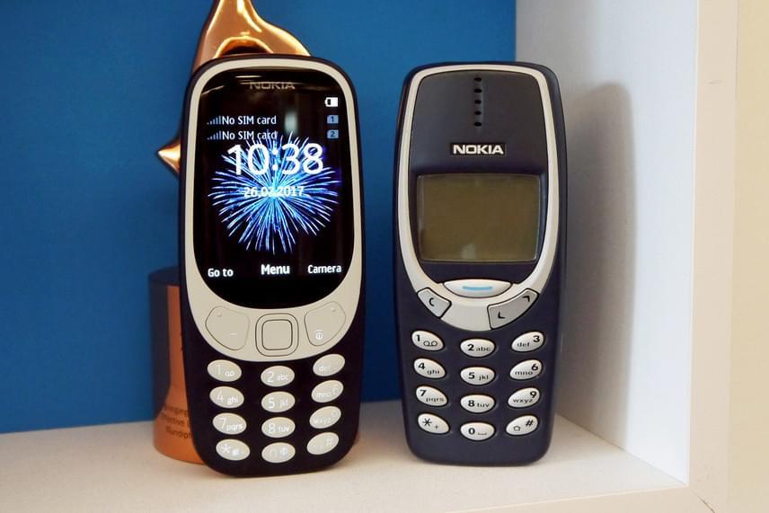 Külsőre ennyi különbség van az új és a régi Nokia 3310-es között. A felújított telefon nagy, színes kijelzőt és 2 megapixeles kamerát, valamint micro SD kártyával bővíthető memóriát kapott.