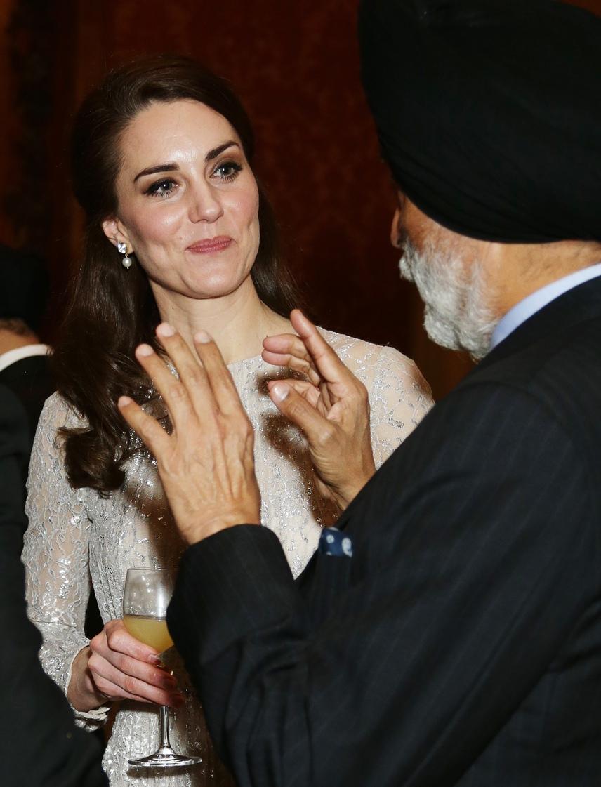 Végre önfeledten mosolyog: rég láthattuk Katalin hercegnét ilyen felszabadultnak és jókedvűnek, mint a tegnapi banketten.