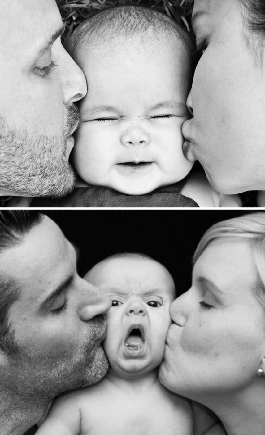 Ez a baba nagyon meglepődhetett, hogy egyszeriben anya és apa puszija közé szorult.