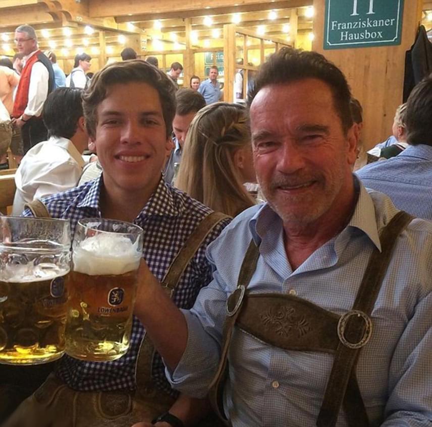 Arnold Schwarzenegger a kimaradt évek után igyekszik a lehető legjobb apja lenni Joseph-nek. Ezt a hangulatos fotót Instagramon osztotta meg rajongóival - így ünnepelték meg együtt Joseph 19. születésnapját.
