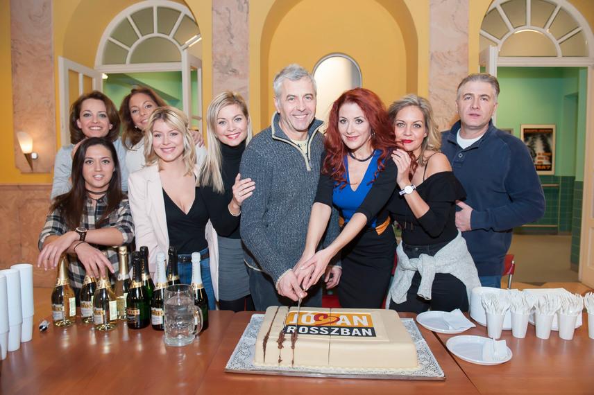 A TV2 Jóban Rosszban című napi sorozatából is ismerős lehet a nézőknek, Kinga nővért alakította.