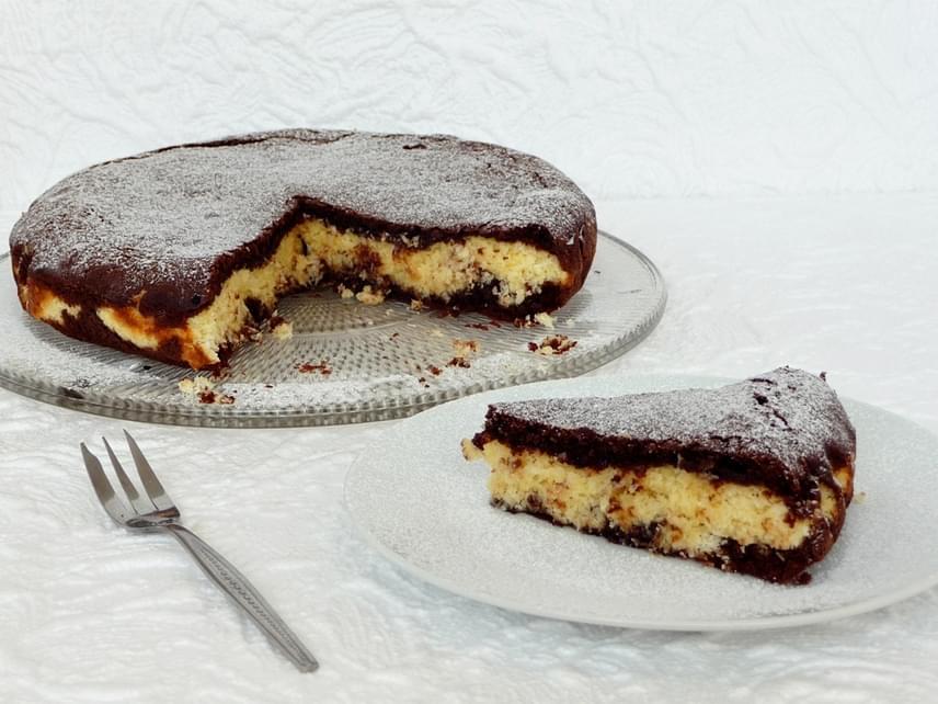 Kókuszkrémmel töltött brownie                         Tedd még izgalmasabbá a puha brownie-t, töltsd meg isteni kókuszkrémmel! Ha kerek tortaformában készíted, még csábítóbb desszertet kapsz. Langyosan a legfinomabb, főleg, ha fagyit is kínálsz hozzá. Ezt a sütit bármilyen nagyobb eseményre is elkészítheted. Itt találod hozzá a kipróbált receptet!