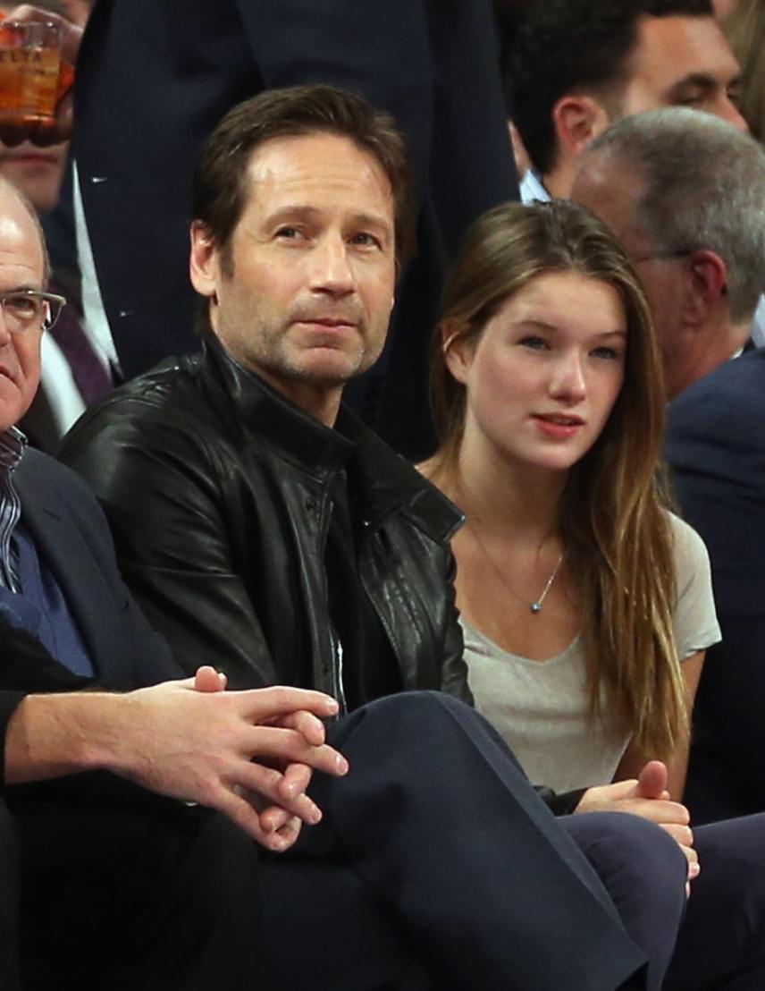 Úgy tűnik, a sport iránti szeretetük közös, legalábbis 2014-ben is ugyanígy kapták le őket a fotósok, szintén a Madison Square Gardenben.