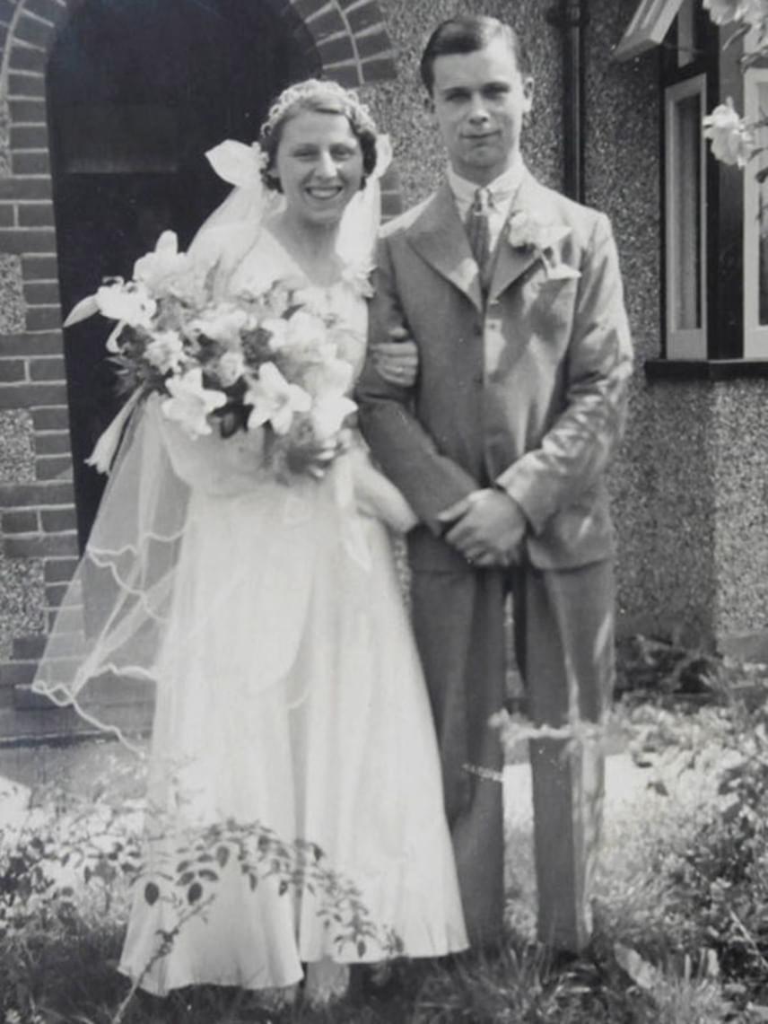 Első férjével, Robert Cann-nel 1935-ben kötött házasságot. Robert 1979-ben halt meg.