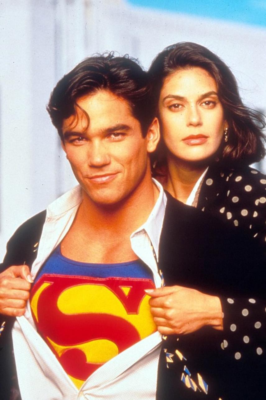 Dean Cain és Teri Hatcher fantasztikus párost alkottak a sorozatban: sokan még azt is rebesgették, hogy kamerákon kívül is dúl köztük a szerelem.