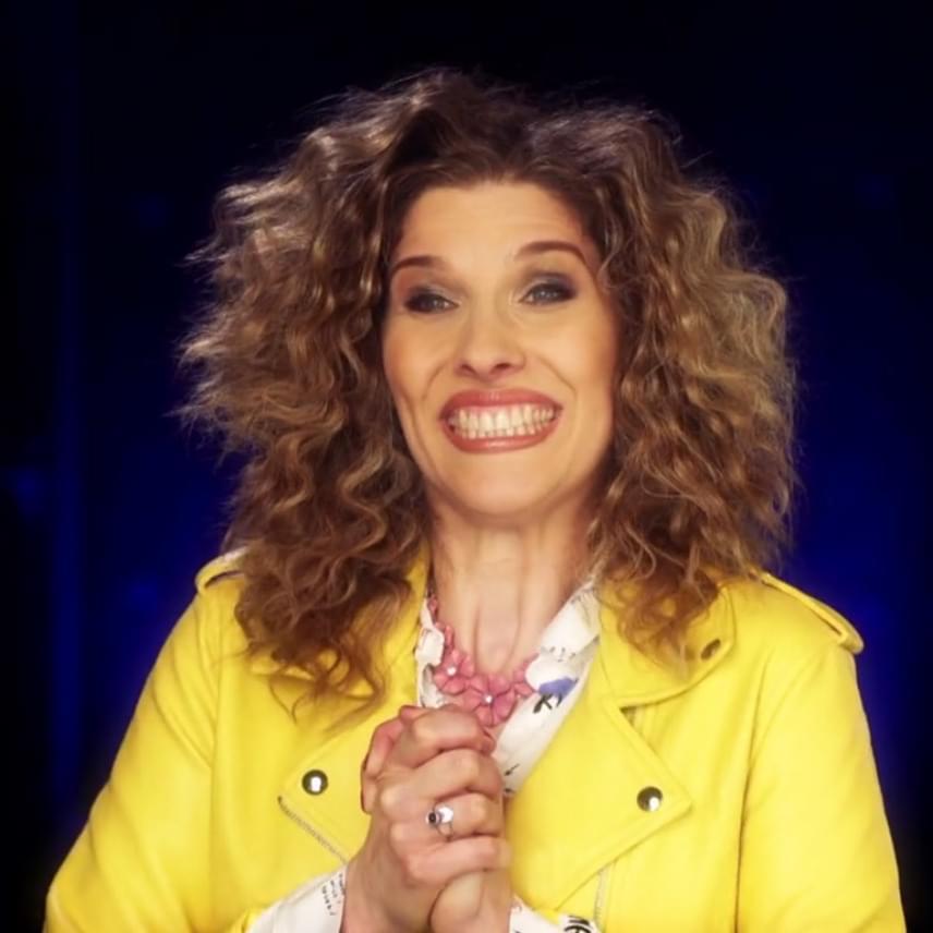 Fábián Juli egy sztetoszkópot kapott, ez alapján kellett rájönnie, kivel fog szerepelni a TV2 zenés szórakoztató műsorában.