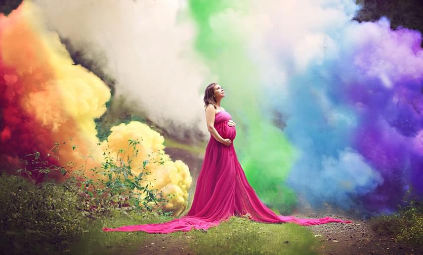 Fantasztikus az a hála és öröm, ami a fotózott anyák arcáról sugárzik.