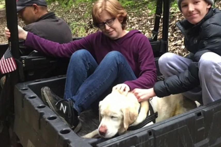 A kutya hazatérése nemcsak gazdáit, de mindenkit megörvendeztetett. A család szerint azóta sokan hoznak a kutyájuknak kisebb csemegét, sőt, az egyik szomszéd egy szelet steak marhahússal állított be.