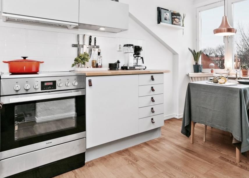 A tágasságérzet kialakításának alapvető kelléke a lakásban a falak világos színe.