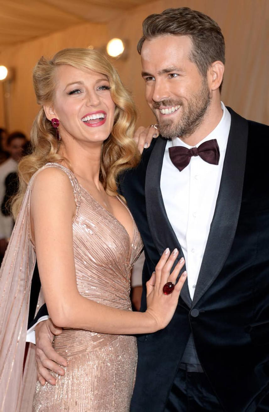 Ryan Reynolds és Blake Lively 2012-ben kötötték össze az életüket, és már két közös kislányuk is van, azonban a ceremónia részleteit máig rejtély övezi.