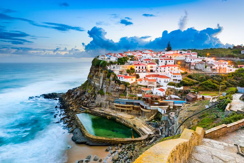 A mediterrán régió legnyugatibb szeglete a vitalitástól duzzadó Portugália, ahol Azenhas do Mar városában gazdag hagyományok és a tenger közelsége kápráztatják el az embert.