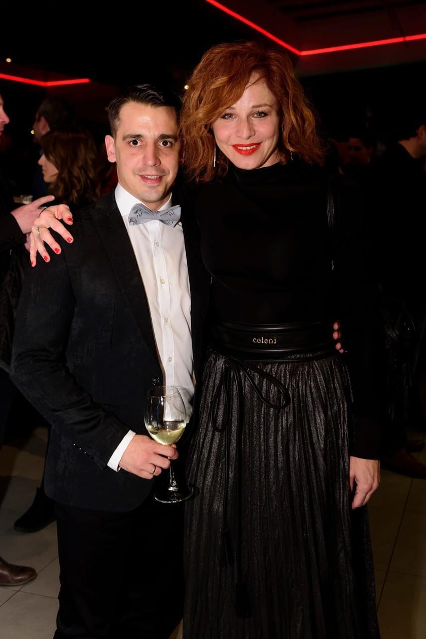 Kovács Lehel Mike Maddent alakítja. A színésznek Ónodi Eszter is gratulált - mindketten játszottak az Aranyélet első évadában.