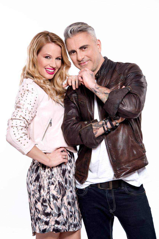 Csipa, a Hooligans énekese a műsorvezető Mádai Viviennel kell, hogy boldoguljon.