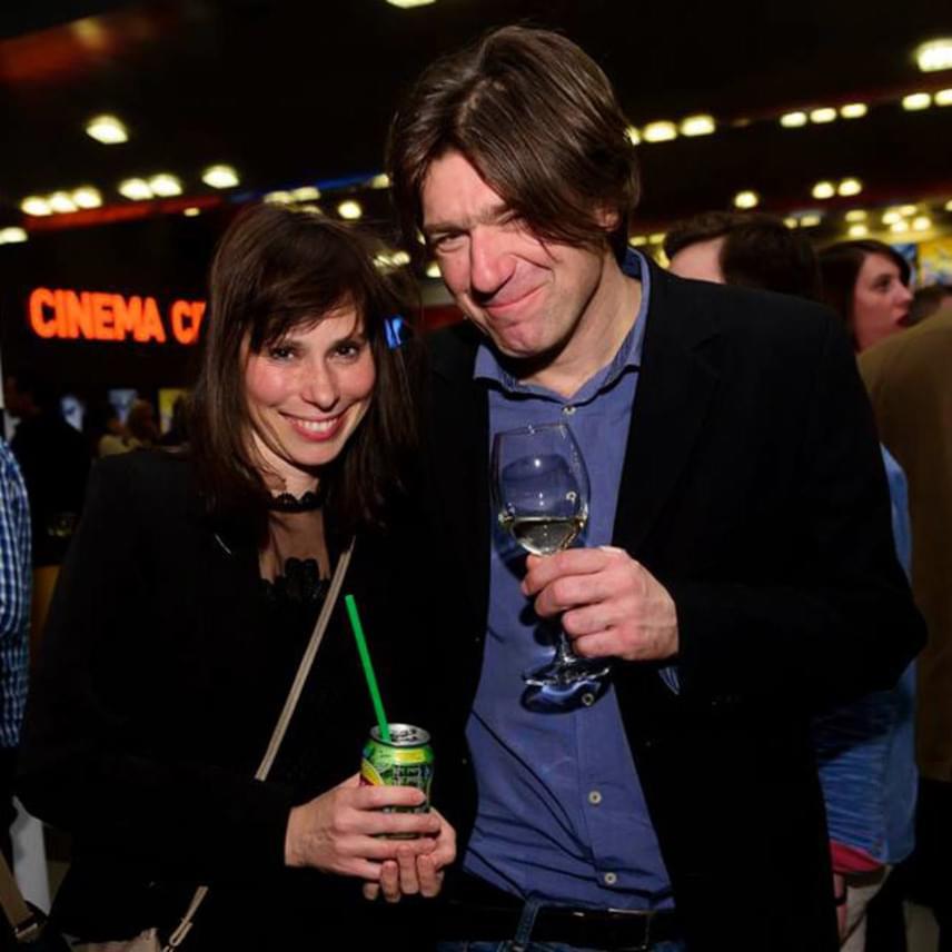 Kecskés Karina színésznő orvos férjével tette tiszteletét a Kincsem premierjén.