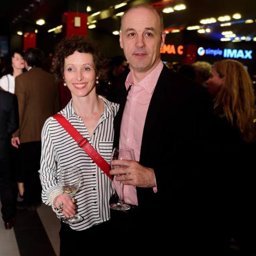 Seress Zoltán színművész feleségével, Szorcsik Kriszta színésznővel érkezett.
