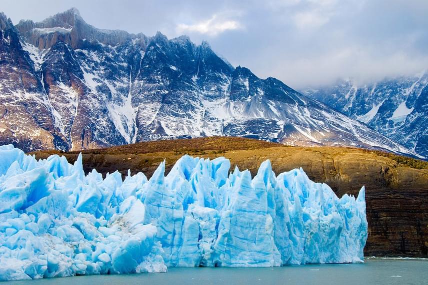 A Patagóniának elnevezett, rideg és fagyos szépségű régión Argentína és Chile osztozik az Andok hegyeivel együtt.