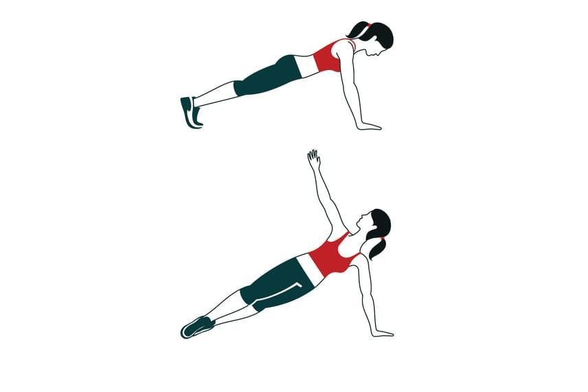 Az oldalra plankolás során figyelj rá, hogy legalább öt másodpercig tartsd meg a kifordulást, és csak utána ereszkedj vissza alaptartásba. A gyakorlatból csinálj kétszer ötöt!