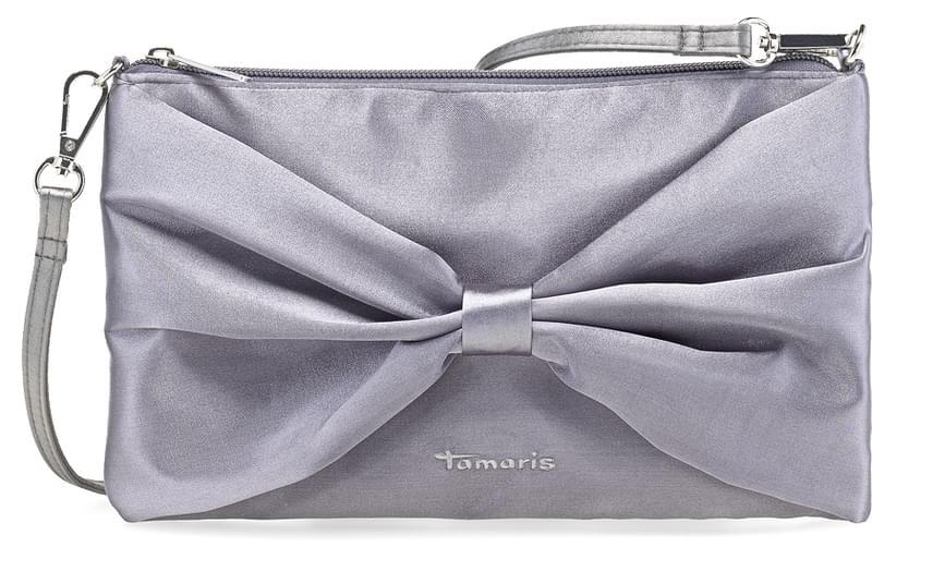 Bájos, mégis elegáns ez az ezüstszínű, masni alakú alkalmi táska, amit a Tamaris kínál, az ára pedig 9090 forint. A Monobrand webshopja szerint a megrendelés mellett az Allee, és a Duna Plaza üzleteiben vásárolható meg a darab.