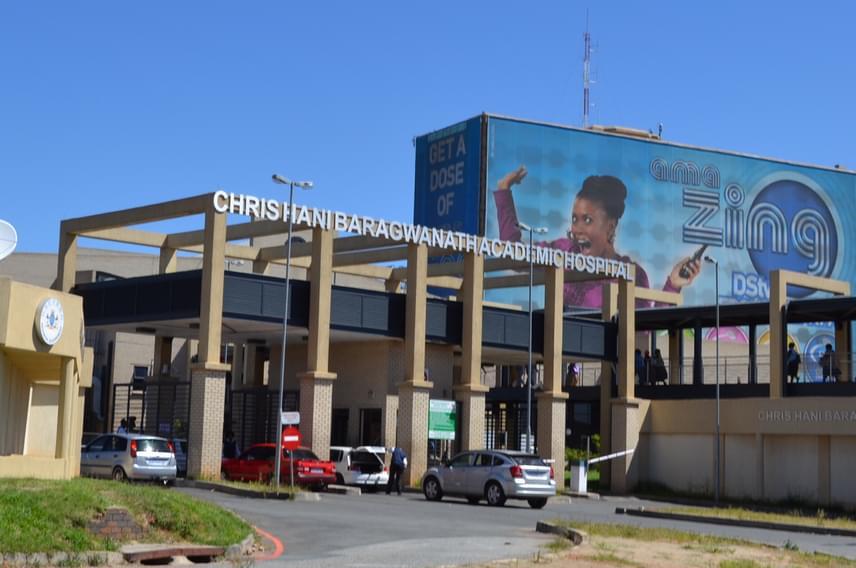 Amellett, hogy a dél-afrikai, johannesburgi Chris Hani Baragwanath Hospital felkészült és színvonalas kórház, az egyik legnagyobbnak számító orvosi központ a bolygón.
