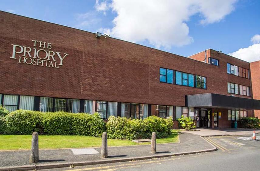 A nagy-britanniai The Priory elsőrangú rehabilitációs központ, ami élen jár a függőségek és mentális betegségek kezelésében is.