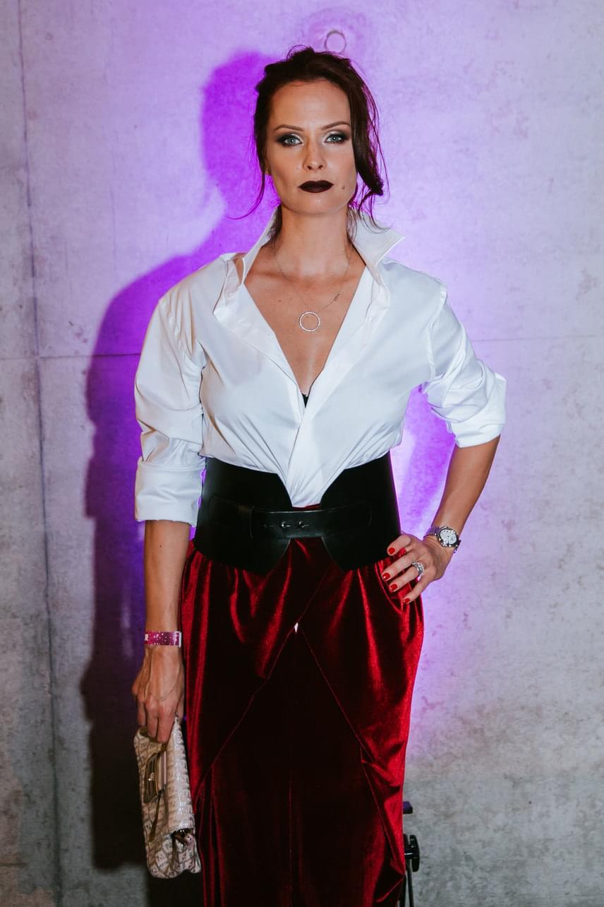 Dobó Kata, a színésznő kategória győztese csábítóan vonzó volt ebben a szettben, amelyet egyik kedvenc stylistja, Kiss Márk álmodott meg.