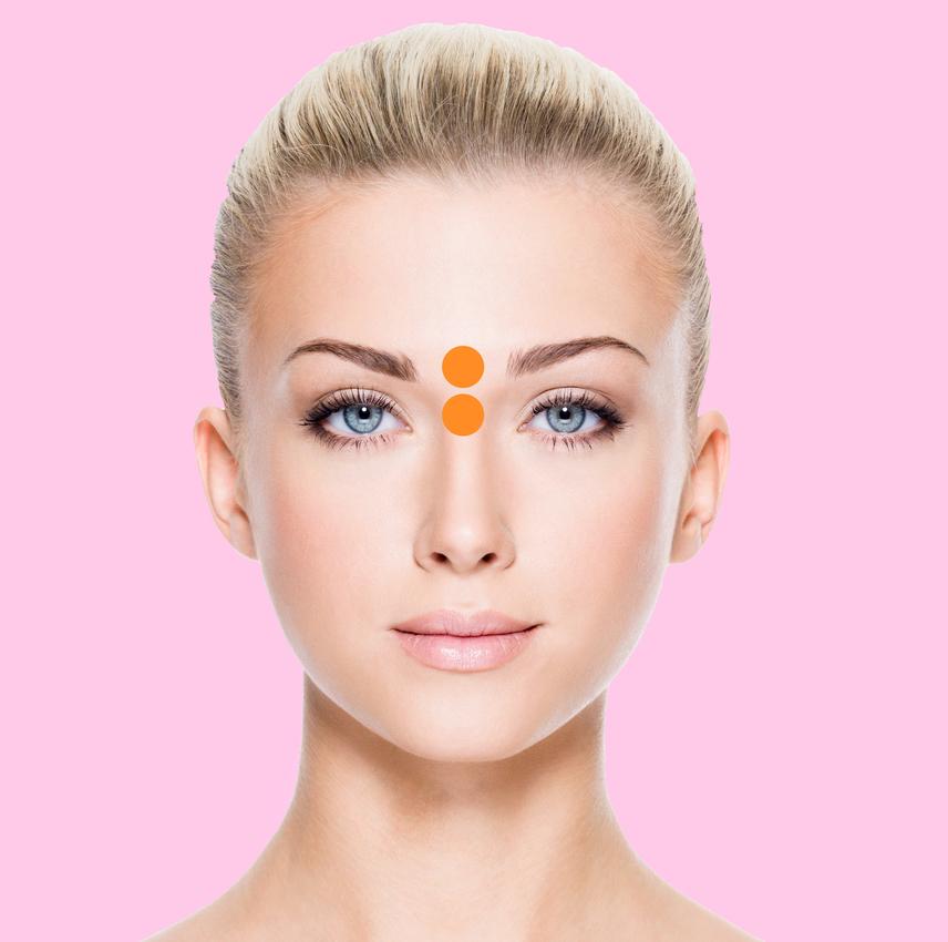 Az orr felső részén, illetve a két szem közti részen előbukkanó pattanások hasnyálmirigy- és májproblémákra utalhatnak.