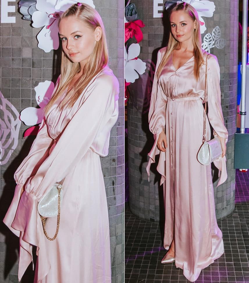 Iszak Eszti  A műsorvezető a Cukovy egy púderszínű kreációját öltötte magára, a táska az Anna Amélie egy darabja.