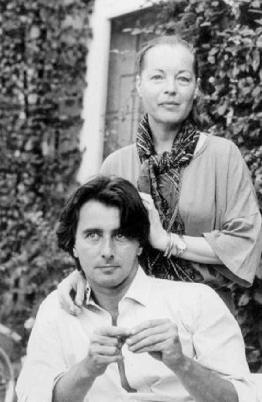 Romy Schneider és Laurent Pétin egy házat vásároltak a nyolcvanas évek elején Franciaországban, a búzaföldek között. Habár szerelme közelsége megnyugtatta Romy Schneidert, a férfi nem tudta megmenteni kedvesét.