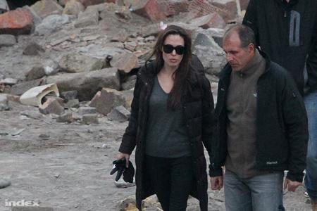 Angelina Jolie a Tűzraktárnál