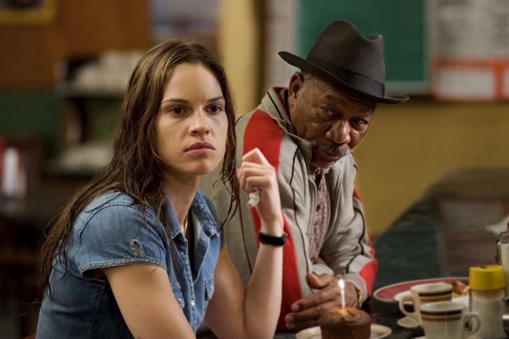 Hilary Swank és Morgan Freeman a Millió dolláros bébiben