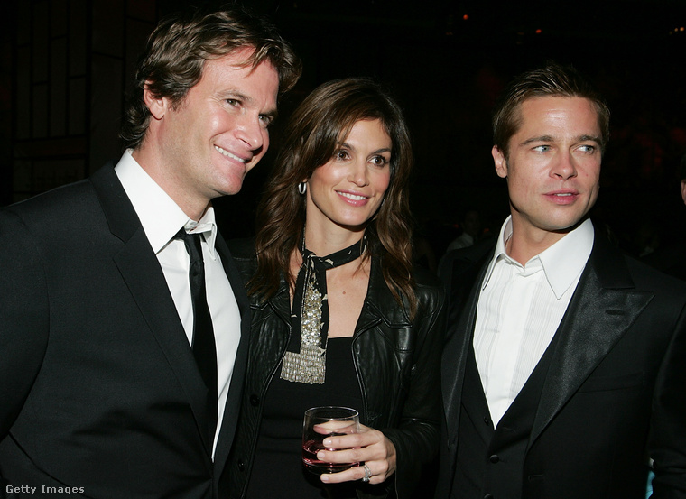 2004Ez pedig az Ocean's Twelve (Egyenlő a tét) premierje, Gerberék éppen Brad Pittel jópofiznak.