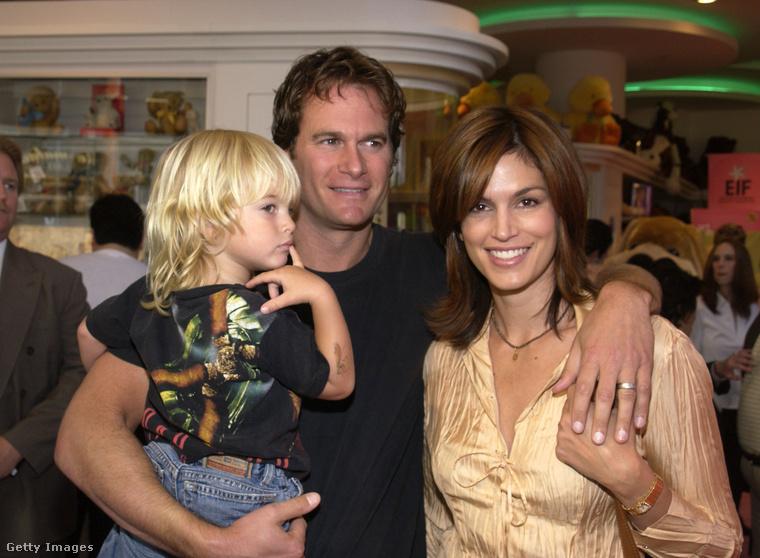 2002A gyerekek elég sokat szerepeltek szüleikkel már a kezdetektől fogva