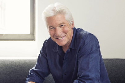 richard-gere-fiatal-baratnoje-madrid-cover