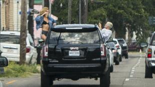 Csoda, hogy Kristen Stewart és modell csaja túlélte ezt a szelfit