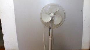 Ventilátorral verte kisgyerekeit egy debreceni nő