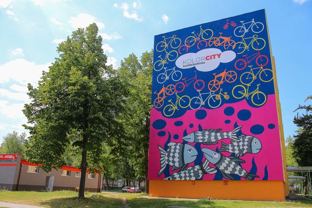 Biciklik és halak, Dobó tér 8-9-10