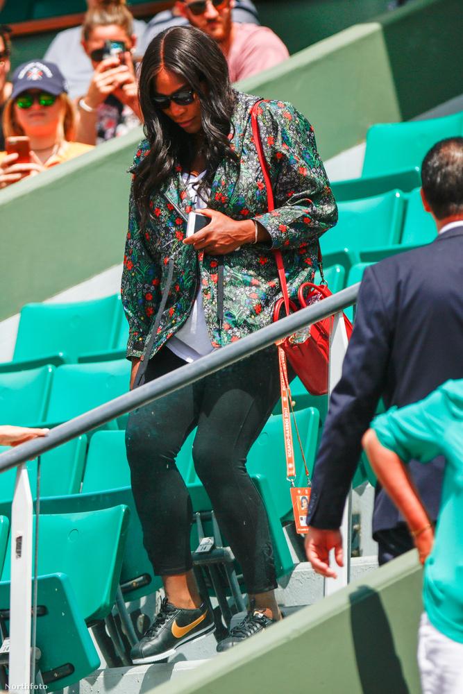A névadást nem tervezik túlbonyolítani, azt mondják, a testvérek valamelyikéről szeretnék majd elnevezni.Serena Williams várhatóan szeptemberben fog szülni