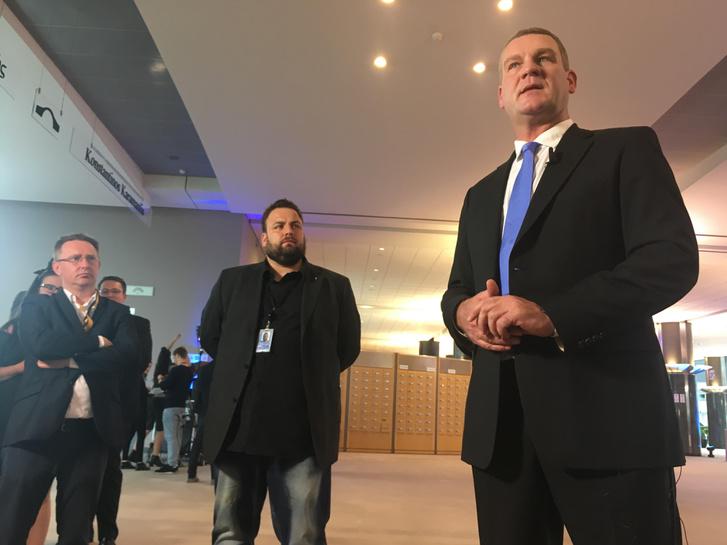 Botka László a brüsszeli sajtótájékoztató előtt