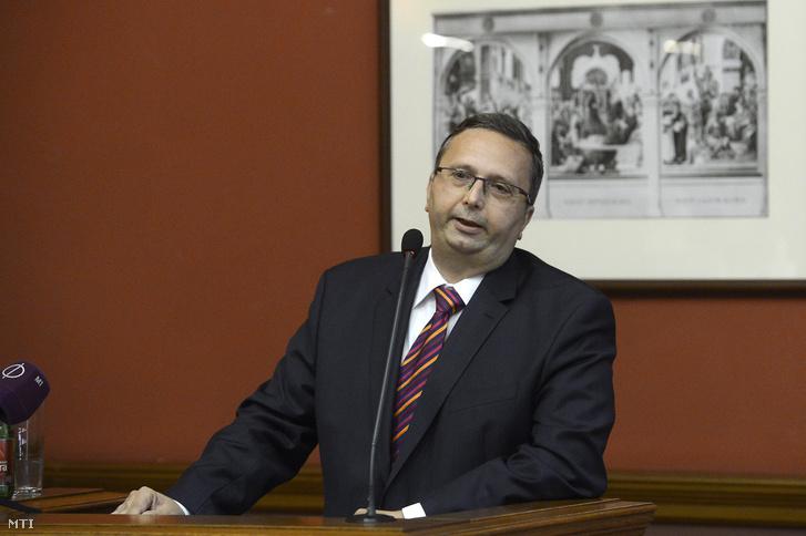 Antall Péter (a kép nem a tárgyaláson készült)