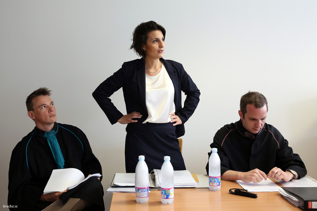 önéletrajz jogsi Index   Belföld   Se diploma, se jogsi, se nyelvvizsga, csak 600  önéletrajz jogsi