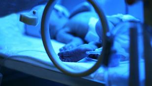 Korábban mentő volt a férfi, aki segített megmenteni egy 19 napos újszülöttet Dunakeszin