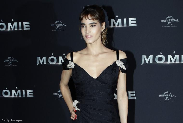 6. Sofia Boutella Párizsban.