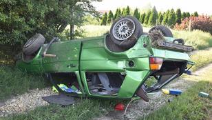 Két fiatal repült ki egy autóból Szombathelynél, egyikük meghalt
