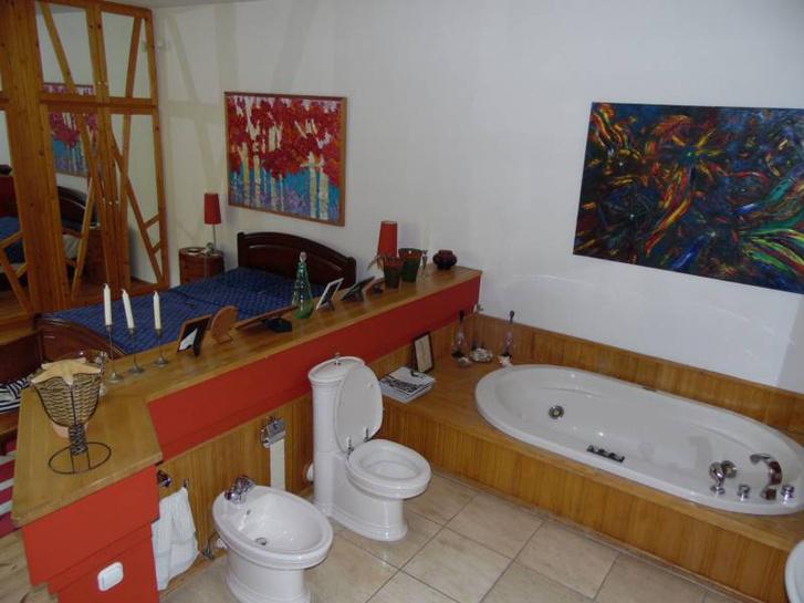 wc az ágy mellett bajai luxusvilla