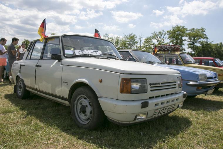 A négyütemű Wartburgot 1988-tól gyártották, de nem élt olyan sokáig, mint az 1966 és 1988 között készülő kétütemű