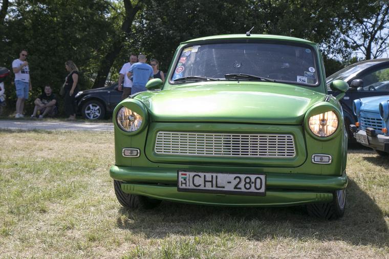 Azt mondják, a zöld Trabant szerencsét hoz