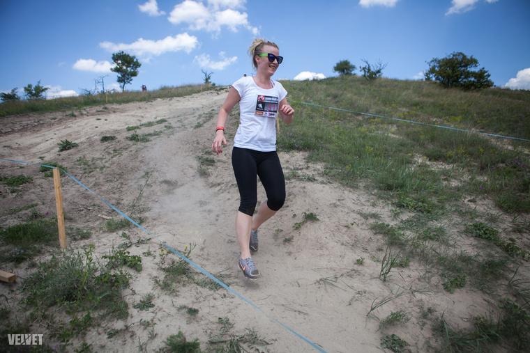 Idén ők ugyan nem indultak, Púza András, a verseny kitalálója viszont valahogy rávett, hogy fussam le a 6 kilométeres távot